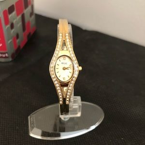 Watch. Gold with CZ